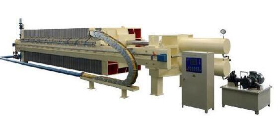 塑料阀安装在洗沙污水压滤的出口处,以确保洗沙污水压滤机的稳定性